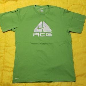 Nike ACG / Nike Fit Dry / Shirt